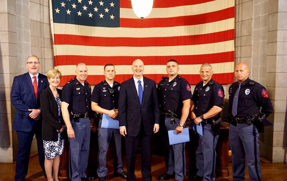 Gov  Ricketts Thanks State Patrol for Busting Drugs   Office